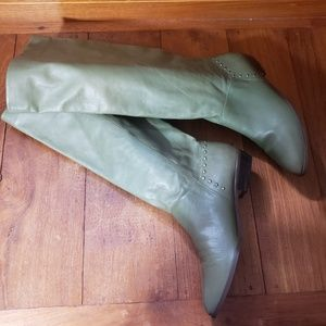 ON  HOLD GREEN LEATHER SLOUCH BOOTS GOLD STUD